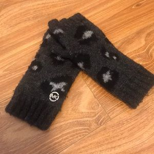 Michael kors fingerless gloves black cheetah